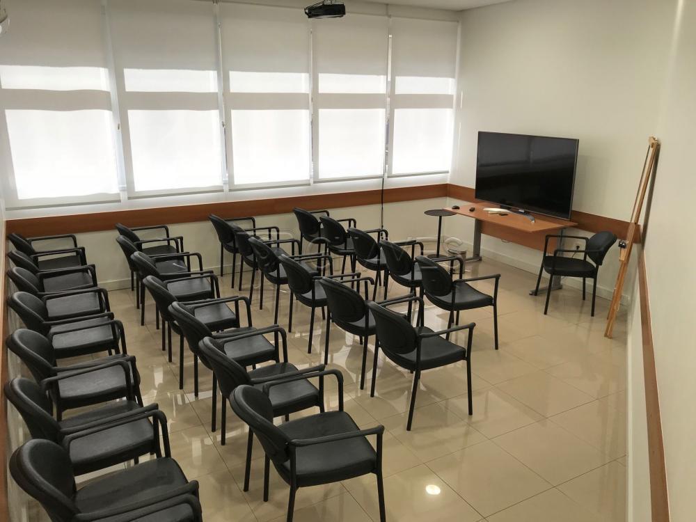 Alugar Comercial / Sala em Condomínio em Ribeirão Preto R$ 900,00 - Foto 13