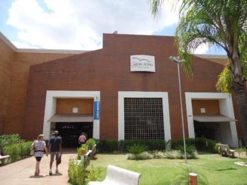 Alugar Comercial / Box em Ribeirão Preto. apenas R$ 1.200,00