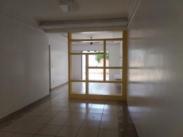 Alugar Casa / Condomínio em Ribeirão Preto. apenas R$ 2.800,00