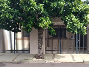 Alugar Casa / Padrão em Ribeirão Preto. apenas R$ 1.450,00