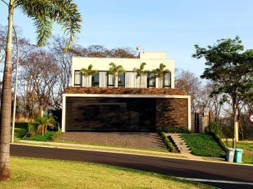 Alugar Casa / Padrão em Ribeirão Preto. apenas R$ 2.300.000,00