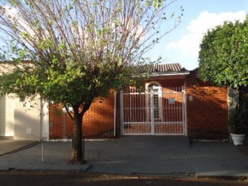 Alugar Casa / Padrão em Ribeirão Preto. apenas R$ 780,00